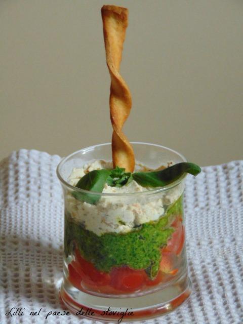 pesto, pachino, pistacchi, parmigiano, basilico, tricolore, aperitivo,