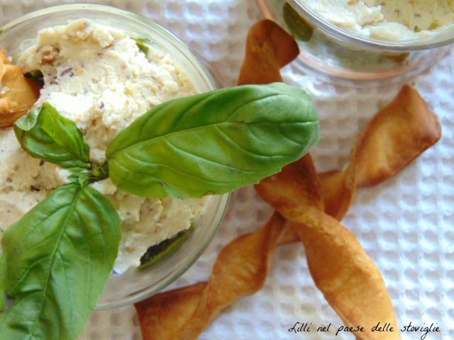pachino, pesto, crema di formaggi, italia, aperitivo, basilico, pistacchi