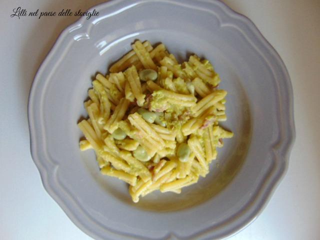 caserecce, pasta, fave, pecorino, pancetta