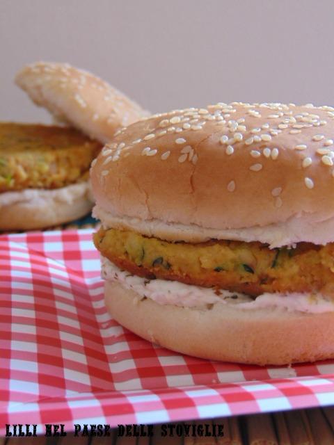 hamburger ceci spezie verdure formaggio