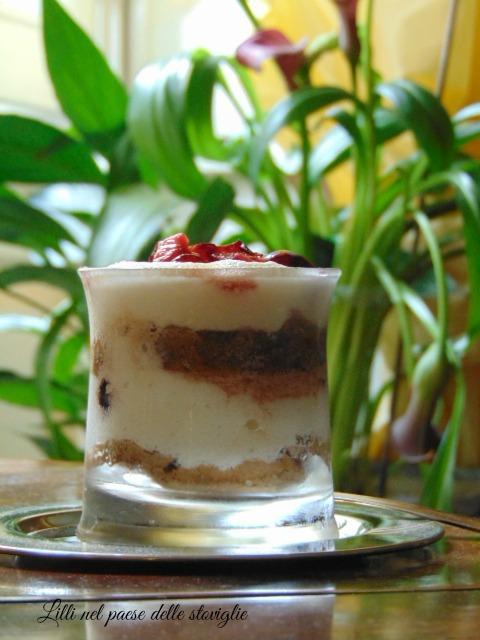 tiramisu, yogurt, ciliegie, dolci al cucchiaio
