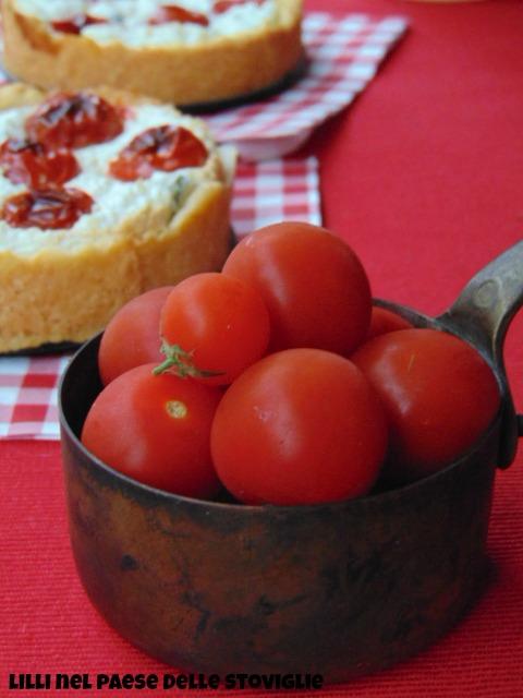 ricotta, parmigiano, tarte, ciliegini, basilico
