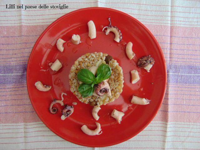 farro, cereali, polipo, patate, olive, tortino