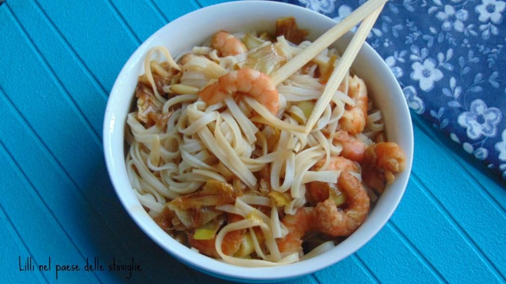 noodles, orientale, mazzancolle, porri