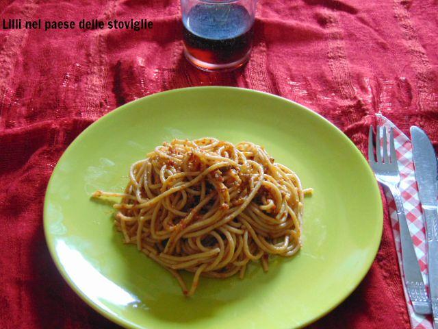 pesto, spaghetti, integrale, pomodori secchi, pistacchi