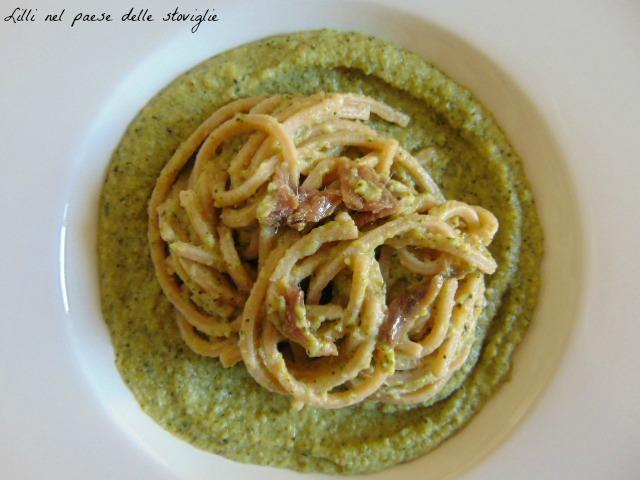 broccoli, verdure acciughe, pesce, primi, spaghetti alla chitarra