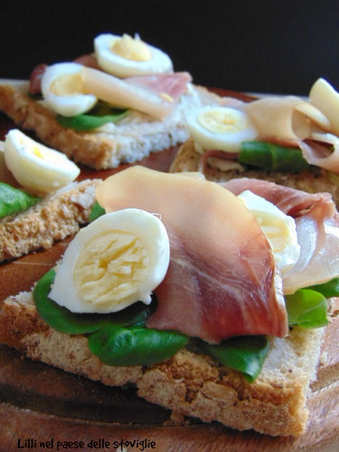 danimarca, pane, burro, uova di quaglia, finger food, antipasto, pesce spada, pesce, insalata, stuzzichino