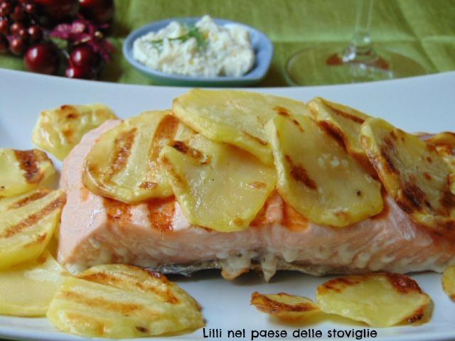 salmone, pesce, secondo, dal mondo, aneto, crema, formaggio, patate