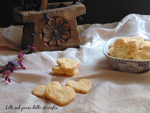 biscotti salati, aperitivo, asiago, formaggio, finger food, antipasto