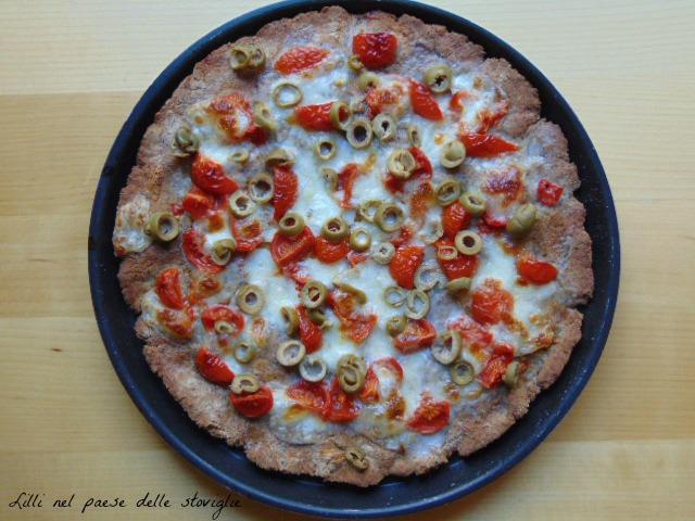 focaccia, grano saraceno, mozzarella, pomodori pachino, olive, lievitati