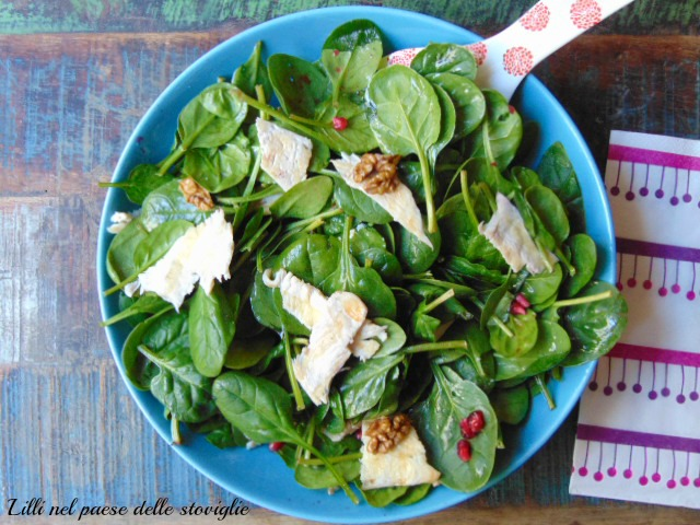 insalata, verdura, spinacini, melograno, noci, frutta, frutta secca, pollo, carne