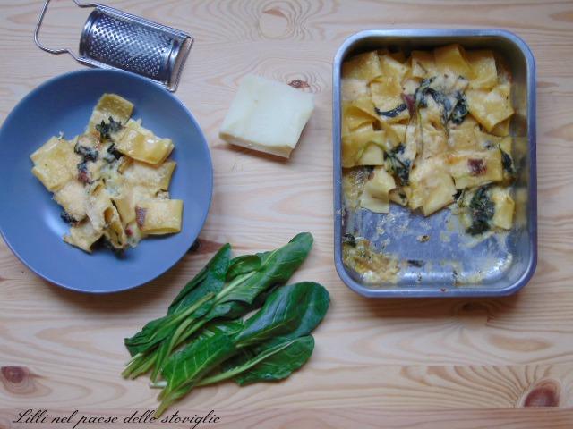 calamarata, pasta, primi, acciughe, pesce, formaggio, mozzarella, erbette, verdure