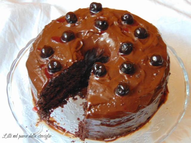 fluffosa, amarene, frutta, colazione, merenda, cake, torta, cioccolato, gianduia, glassa
