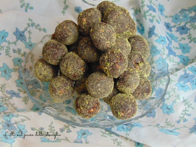 tartufi, pistacchi, frutta secca, cioccolato, piccola pasticceria, finger food