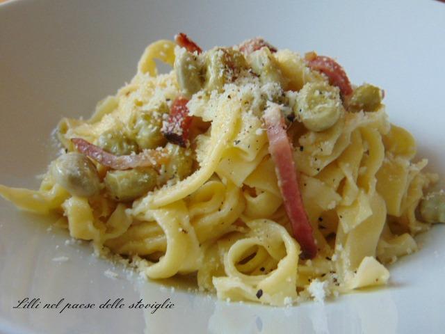 tagliatelle, pasta fresca, primi piatti, pasta all'uovo, pecorino, formaggio, salumi, speck, fave, legumi