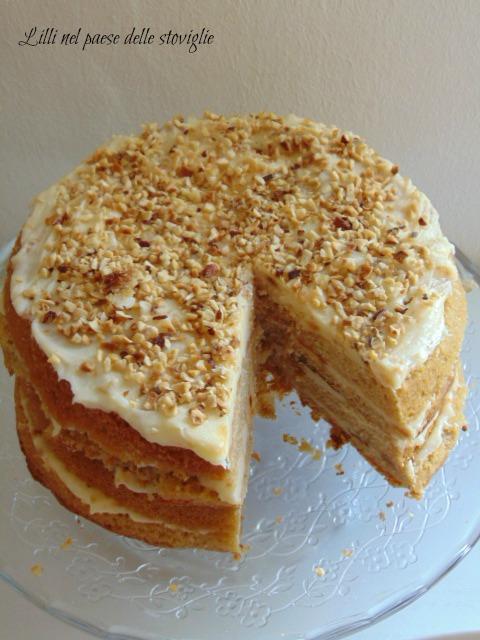 torta, cake, dolci, cassonade, caramello, frutta secca, nocciole, crema