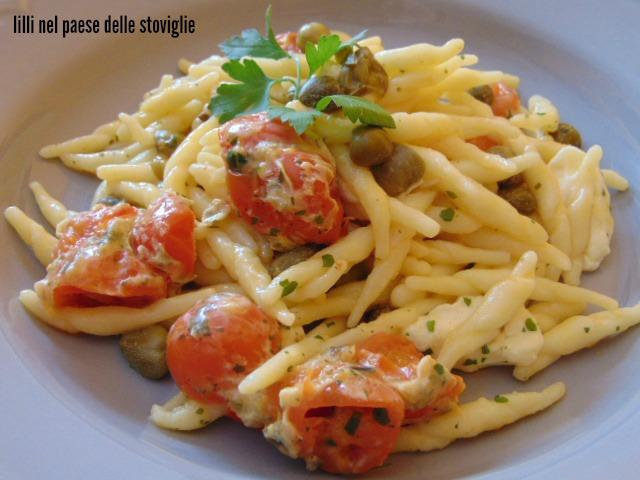 trofie, primi, verdure, pomodori, capperi, mozzarella, formaggio