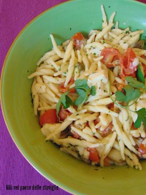 trofie, primi, pomodori, verdura, mozzarella, capperi,