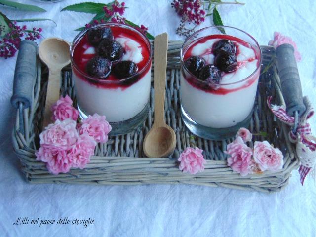 crema, amarene, frutta secca, mandorle, dolci al cucchiaio, senza lattosio