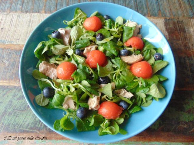 valeriana, insalata, tonno, pesce, frutta, anguria, mirtilli, insalata