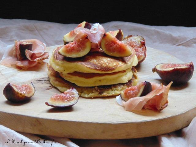pancake, colazione salata, salumi, speck, frutta, fichi, dal mondo