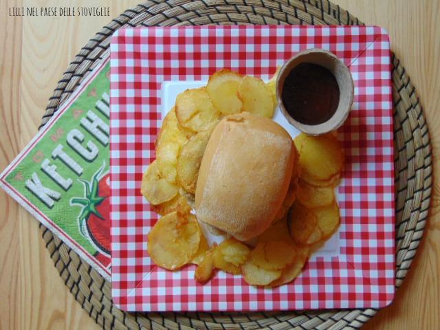 hamburger, merluzzo, pesce, panino, patate, fritto, pesto