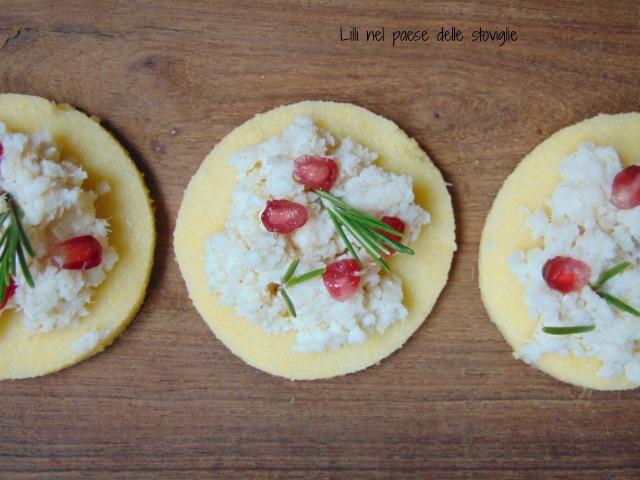 polenta, antipasto, finger food, aperitivo, pesce, merluzzo, melograno