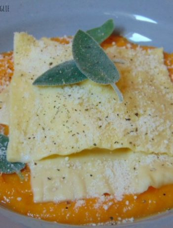 ravioli, primi, pasta fresca, zucca, verdure, formaggio, parmigiano, arancia, frutta