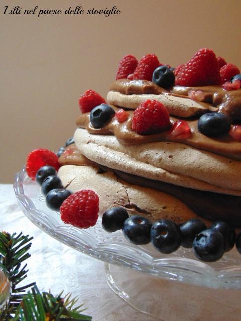 pavlova, cioccolato, dolci, frutta, frutti di bosco, melograno, crema pasticcera, dolci al cucchiaio, dal mondo