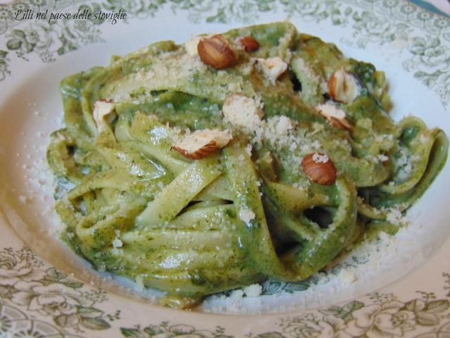 fettucce, agretti, pesto, verdure, primi, pasta, nocciole