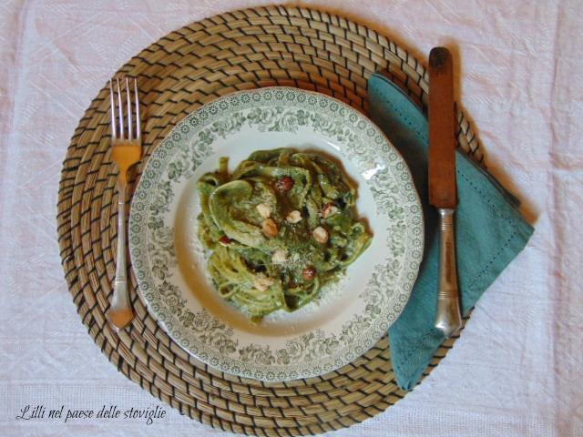 fettucce, pasta, primi, verdure, agretti, pesto, nocciole