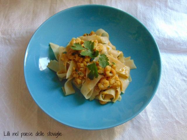 pad thai, dal mondo, gamberetti, erbe aromatiche, noodles, primi, uova