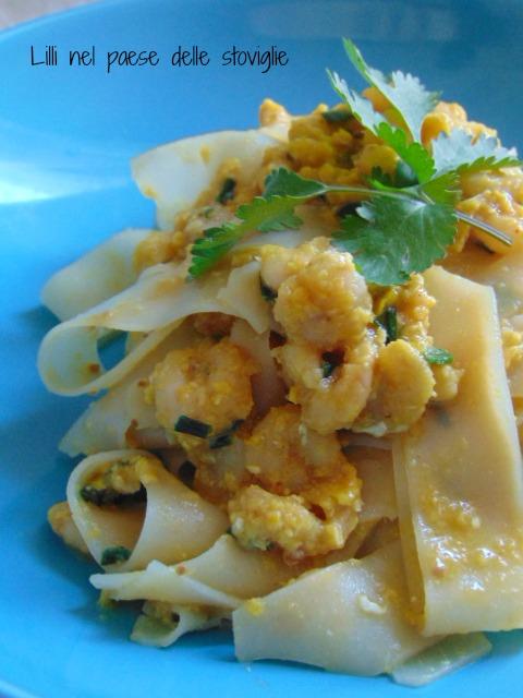 pad thai, uova, noodles, erbe, dal mondo, primi