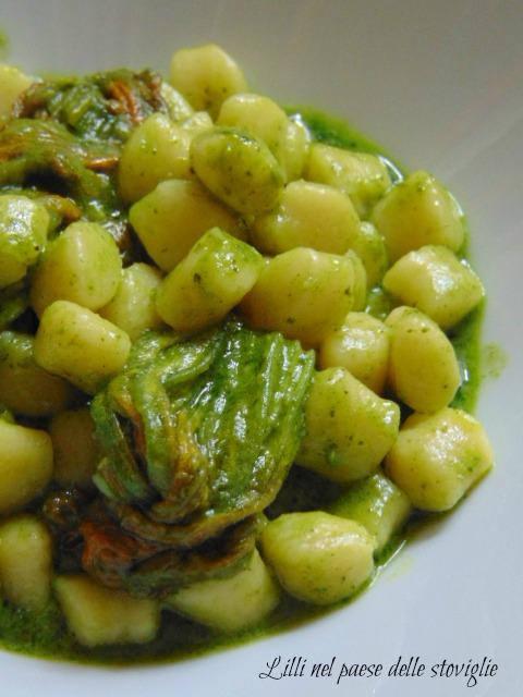 chicche, patate, gnocchi, pesto, fiori di zucca, verdure, primi