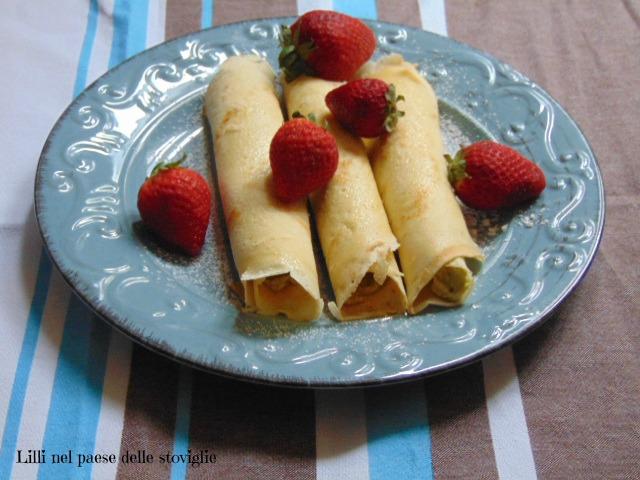crepes, uova, colazione, merenda, dolci, frutta secca, pistacchi, crema