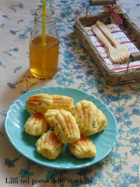 madeleines, finger food, aperitivo, antipasto, piselli, legumi, formaggio, parmigiano