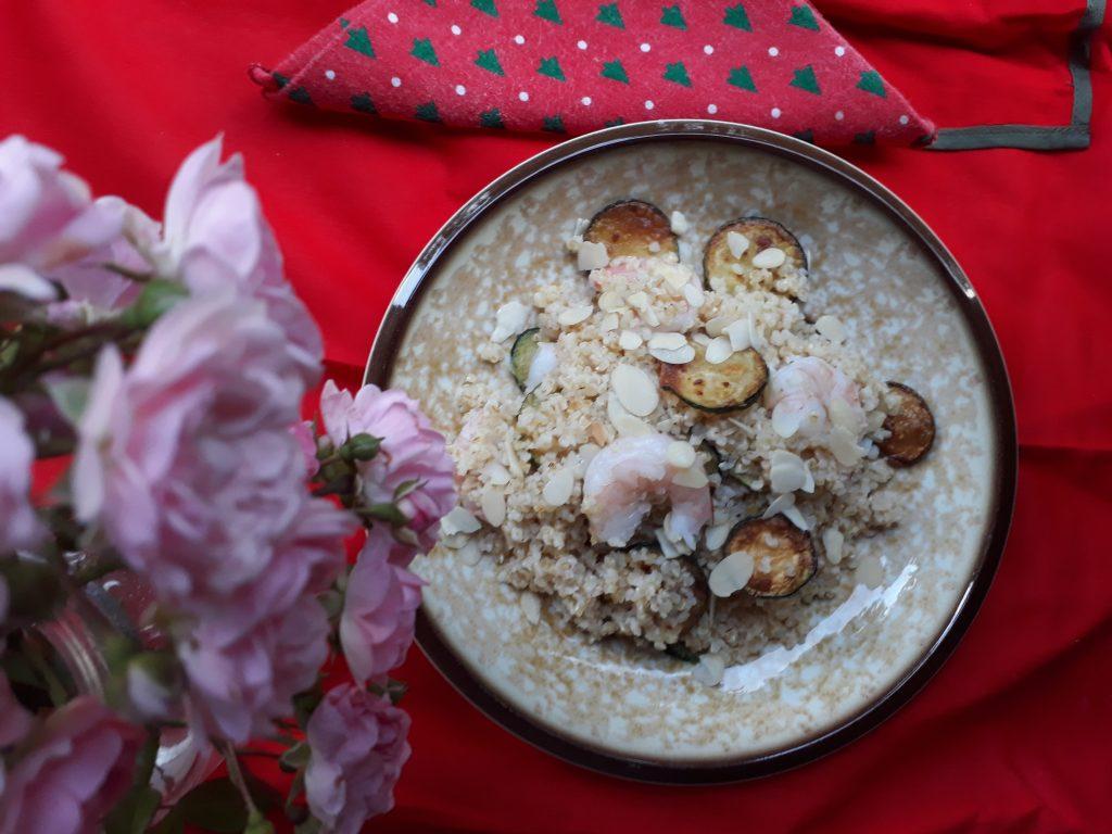 bulgur, cereali, mandorle, frutta secca, zucchine, verdure, gamberi, pesce