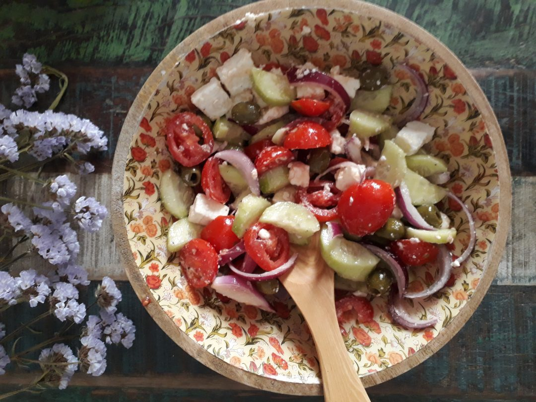 verdure, insalata greca, feta, olive, formaggio