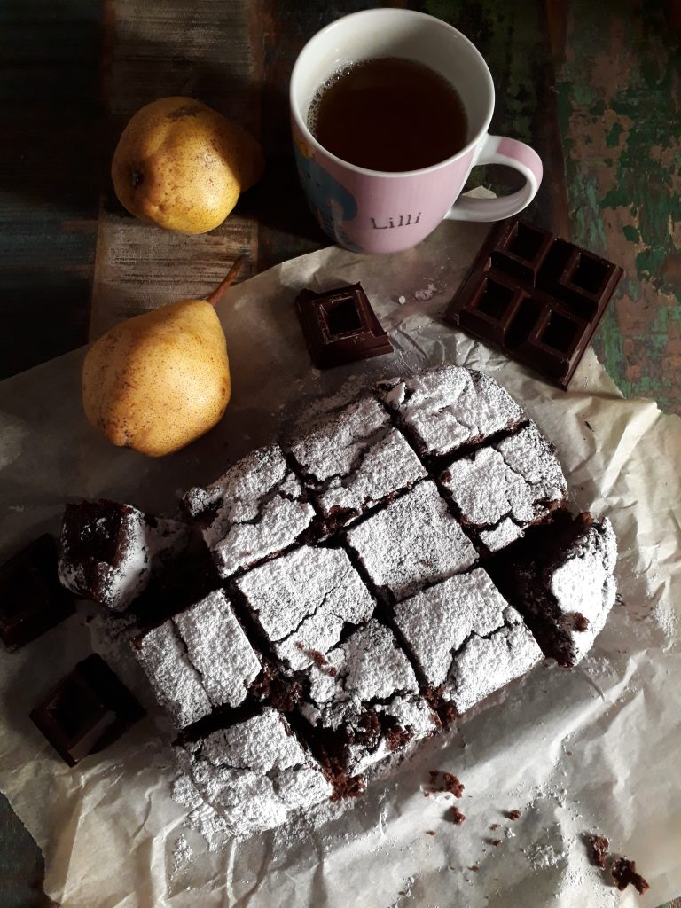 brownie morbido con pere e cioccolato