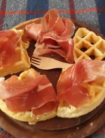 waffle con le patate e prosciutto di parma