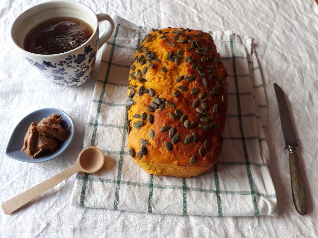 pane alla zucca e semi