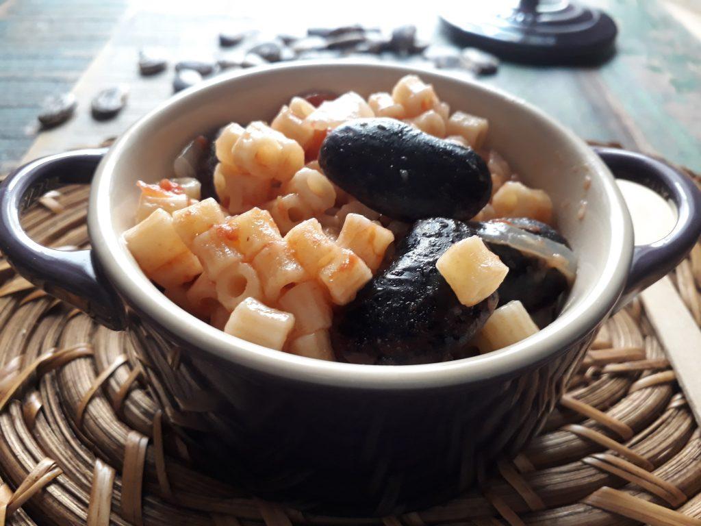 pasta con fagioli neri