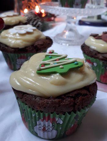 cupcake alle pere e cioccolato con mascarpone e cioccolato bianco