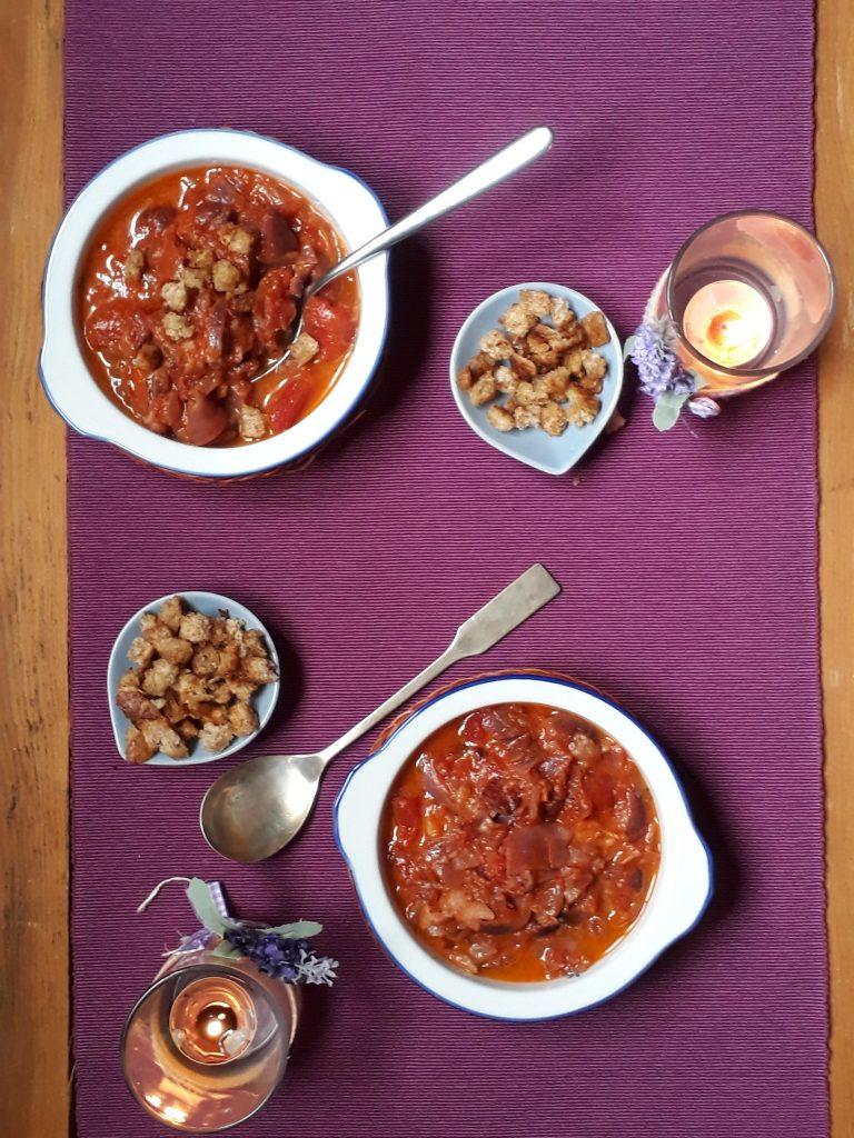 minestra di cipolle umbra con pomodoro