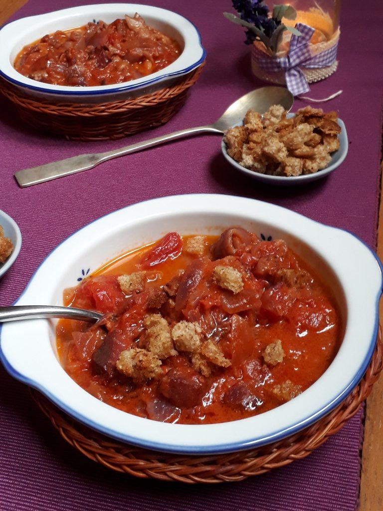 minestra di cipolle e pomodoro umbra
