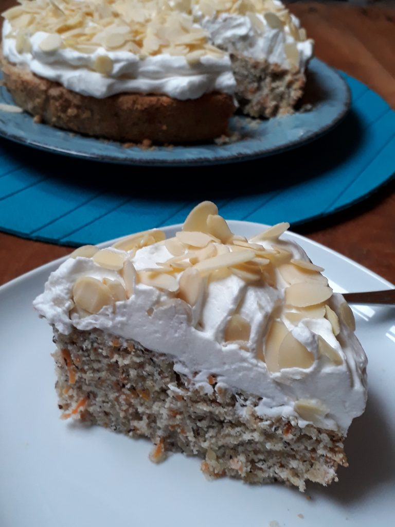 torta al grano saraceno con carote e mandorle
