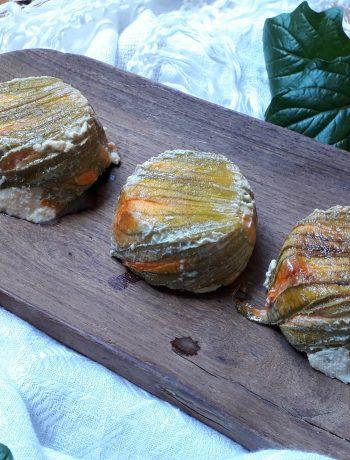 tortino con fiori di zucca pomodori secchi e ricotta