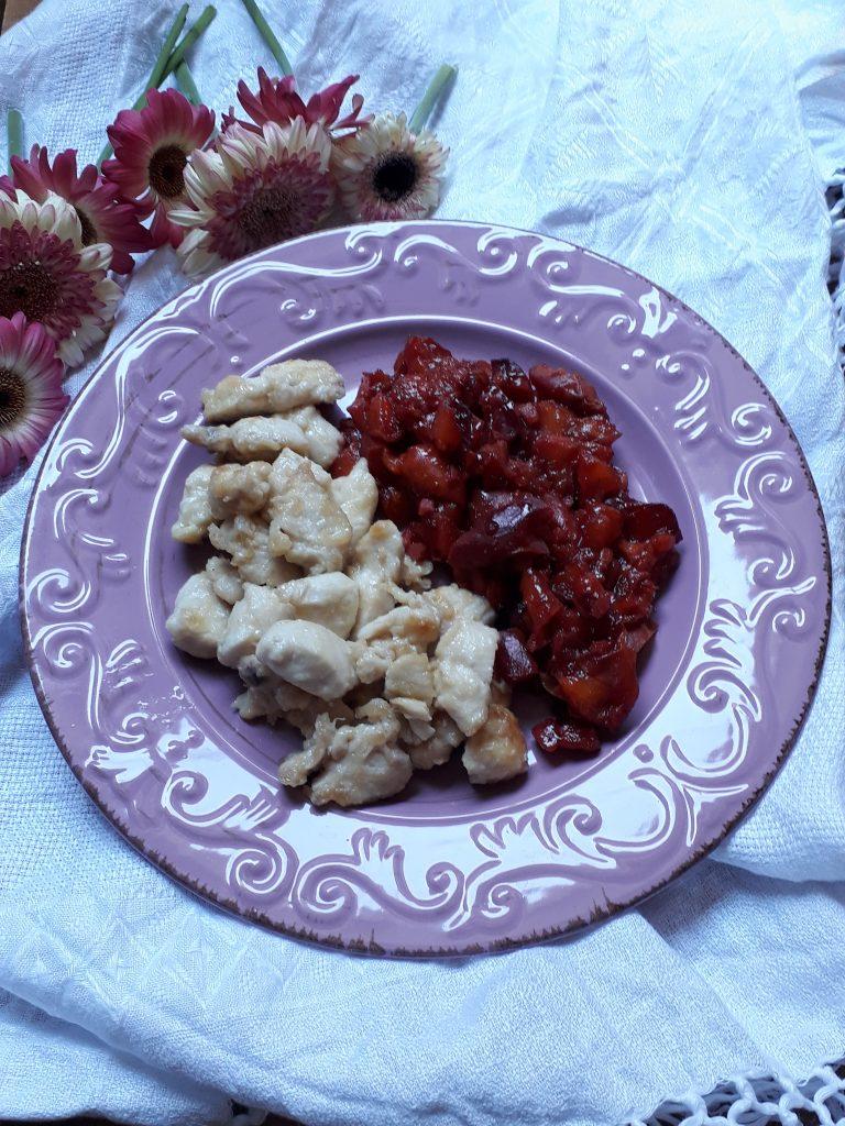 pollo con pesche e spezie