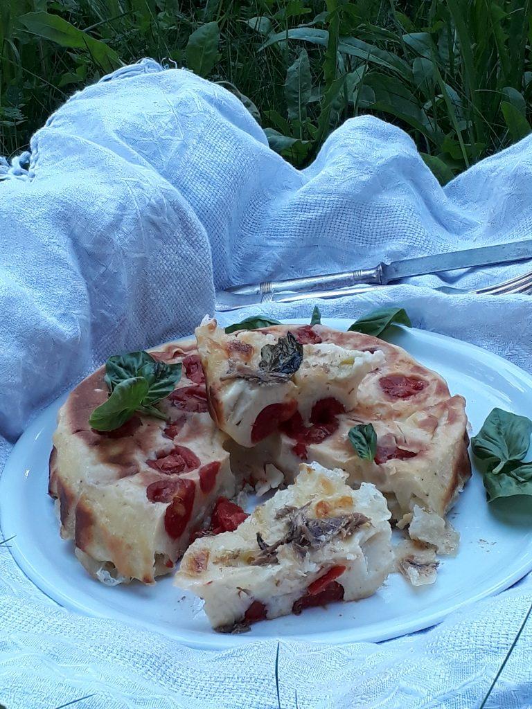 tortino mozzarella pomodori e acciughe