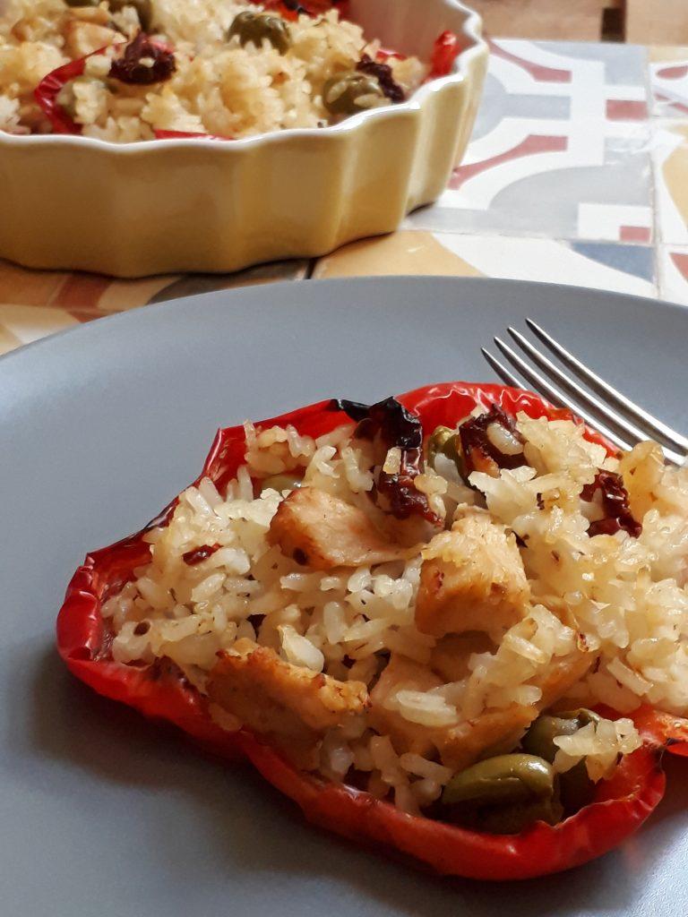 peperoni farciti con riso e pollo